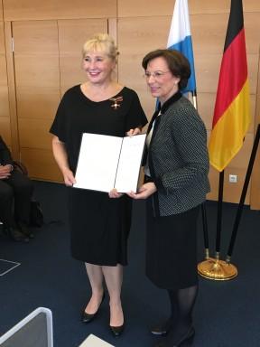 Verleihung des Bundesverdienstkreuz am Bande der BRD am 04.03.2016 01