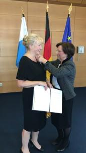Verleihung des Bundesverdienstkreuz am Bande der BRD am 04.03.2016 03